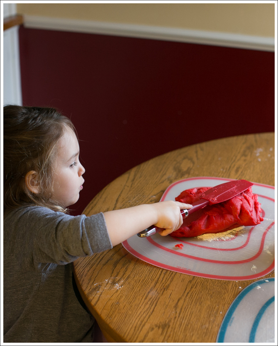 Blog DIY Jell-O Play-Doh Non Candy Valentine Toddler Craft-8