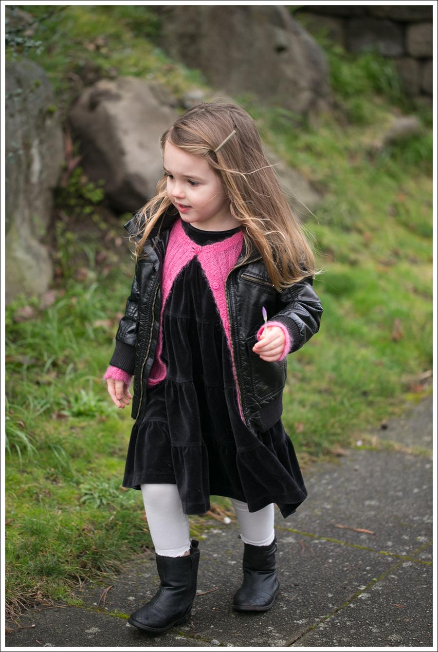 Blog HM Faux Leather Jacket Il etait une fee Cardigan Hanna Andersson Black Velour Twirl Dress Mexx Booties-7