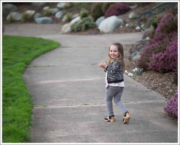 Blog HM Zebra Cardigan Gapkids Tee Gray Mini Skinny DIY destroyed Jeans Sven Toddler Mary Jane Ankle Strap Clogs-1