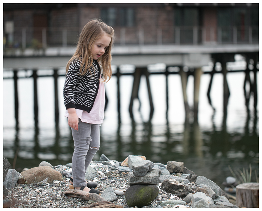 Blog HM Zebra Cardigan Gapkids Tee Gray Mini Skinny DIY destroyed Jeans Sven Toddler Mary Jane Ankle Strap Clogs-10