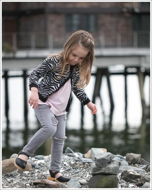 Blog HM Zebra Cardigan Gapkids Tee Gray Mini Skinny DIY destroyed Jeans Sven Toddler Mary Jane Ankle Strap Clogs-11