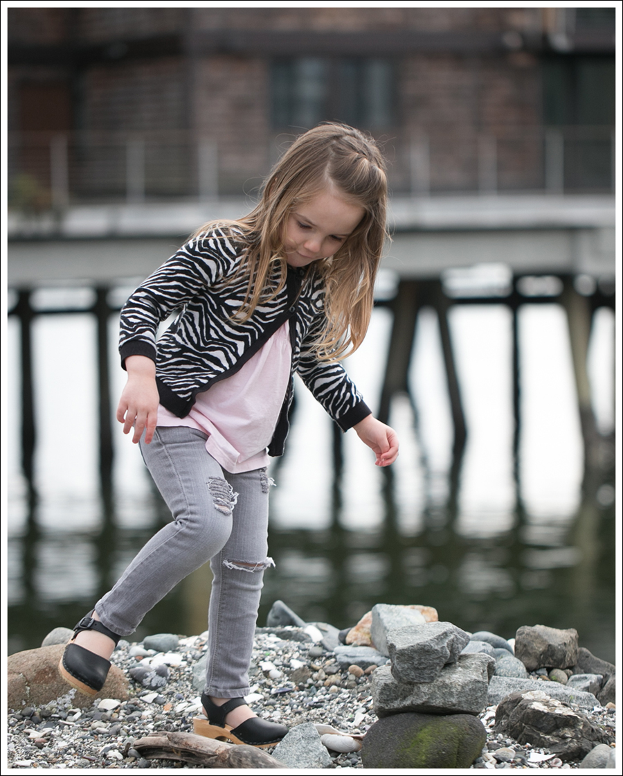 Blog HM Zebra Cardigan Gapkids Tee Gray Mini Skinny DIY destroyed Jeans Sven Toddler Mary Jane Ankle Strap Clogs-11