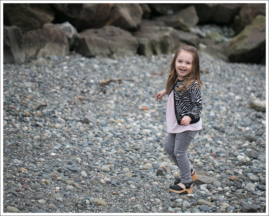 Blog HM Zebra Cardigan Gapkids Tee Gray Mini Skinny DIY destroyed Jeans Sven Toddler Mary Jane Ankle Strap Clogs-14