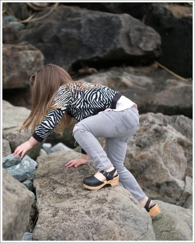Blog HM Zebra Cardigan Gapkids Tee Gray Mini Skinny DIY destroyed Jeans Sven Toddler Mary Jane Ankle Strap Clogs-15