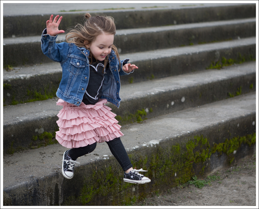 Blog Levis Jacket Beatiful Hearts Little Boogaweezin Gap Tiered Skirt Levis Jeggings Converse One Stars-3