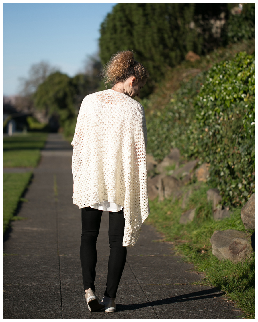Blog Lily McNeal Open Knit Crochet Cardigan UO Corner Shop Tee DL1961 Emma Riker Gold Superga-3