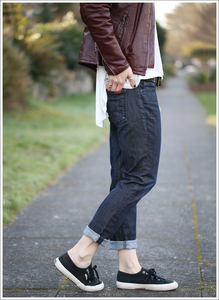 1 blog Vintage Leather Jacket UO Corner Shop Tee 7FAM Roxanne Skinny Boyfriend Black Superga-2