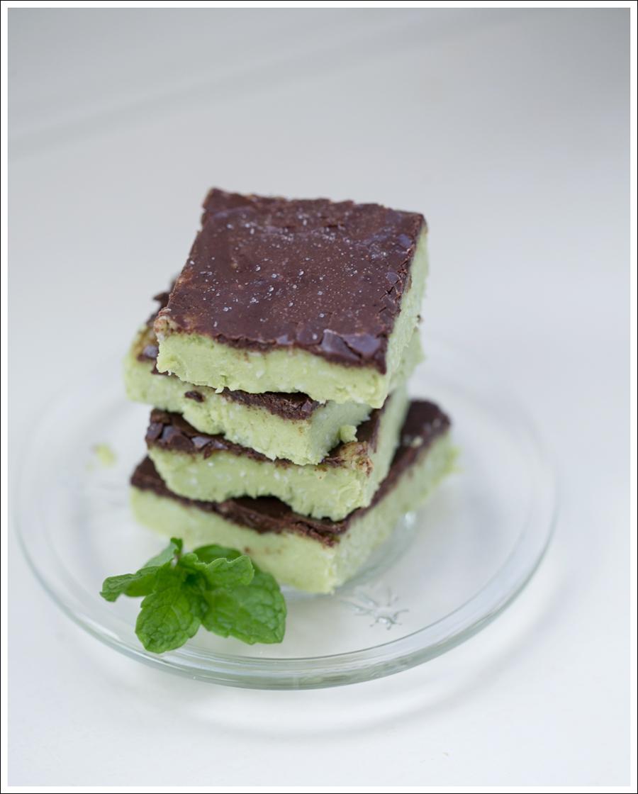 Paleo No Bake Avocado Chocolate Mint Bars