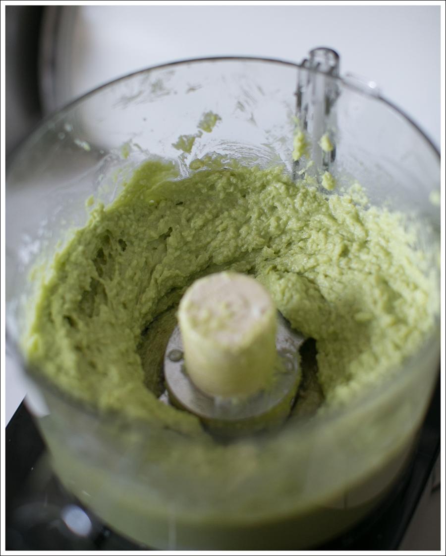 Blog Paleo Vegetarian No Bake Avocado Chocolate Mint Bars-7