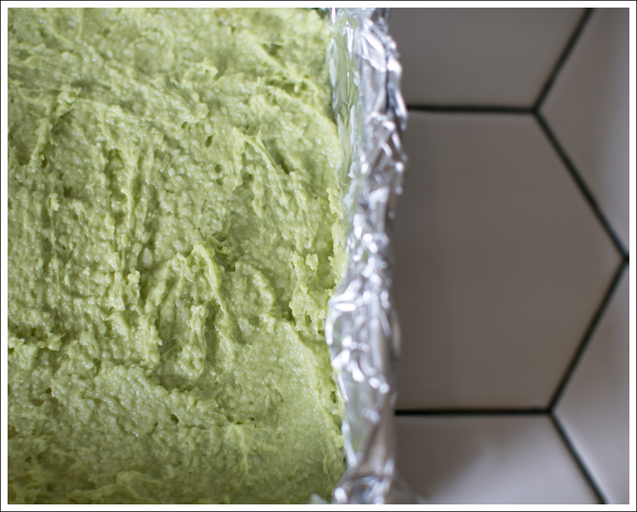 Blog Paleo Vegetarian No Bake Avocado Chocolate Mint Bars-8