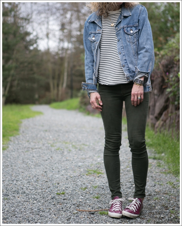 Blog Vintage Levis Jacket Zara Striped Sweatshirt Black Orchid Denim Converse-2