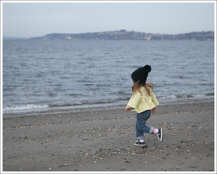 Blog Vintage Yellow Handknit Cardigan HM hat Tea Striped Tee Joes Jeans Black Converse-3