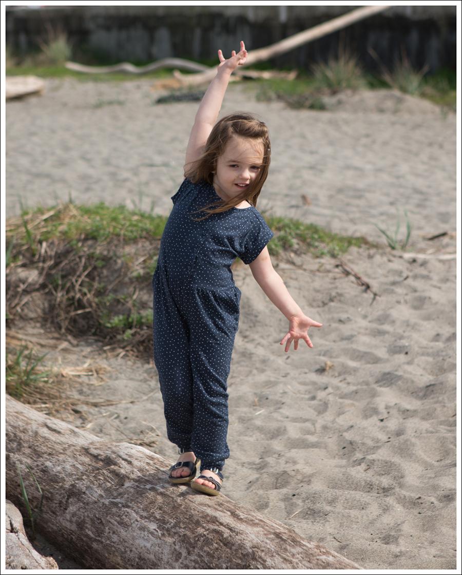 Blog GapKids Starry Romper Salt Water Surfer Sandal-1