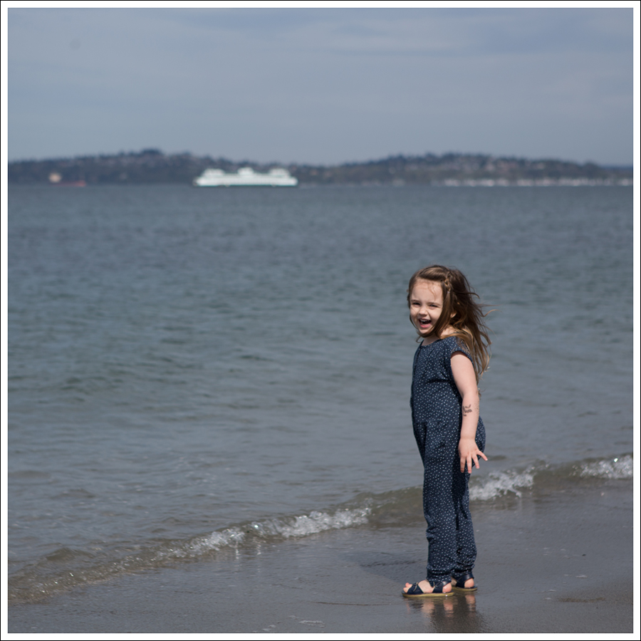 Blog GapKids Starry Romper Salt Water Surfer Sandal-10