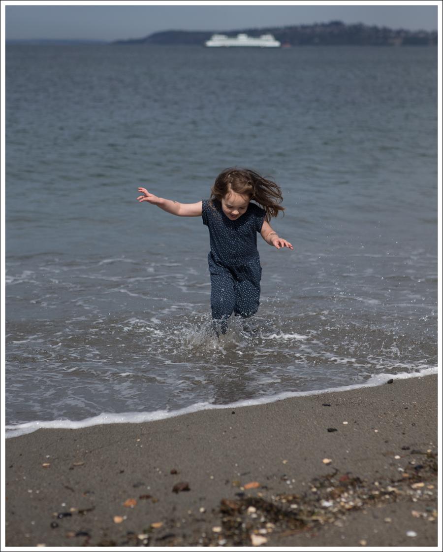 Blog GapKids Starry Romper Salt Water Surfer Sandal-13