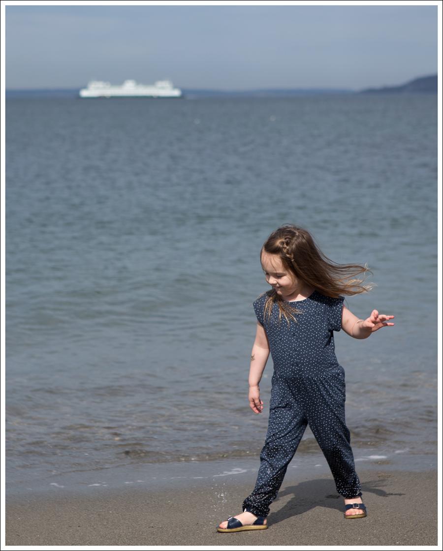 Blog GapKids Starry Romper Salt Water Surfer Sandal-14