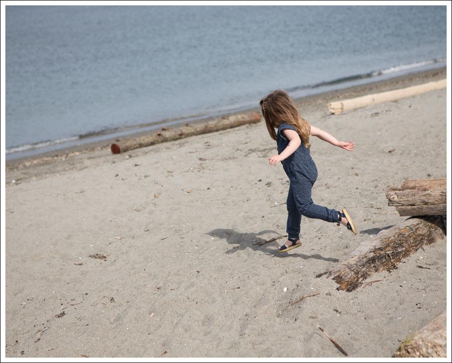 Blog GapKids Starry Romper Salt Water Surfer Sandal-2