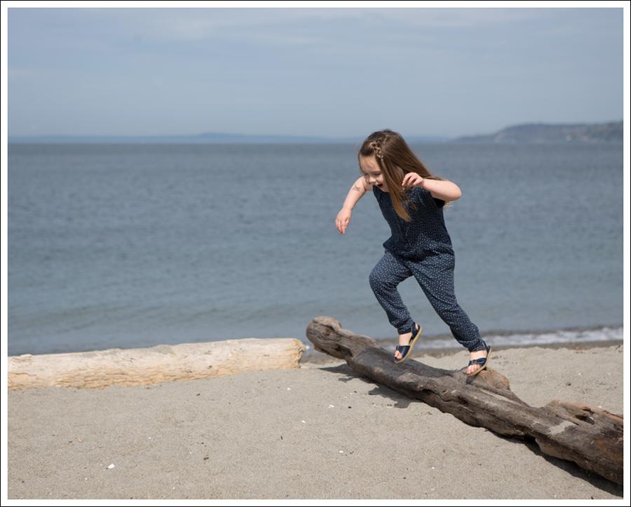 Blog GapKids Starry Romper Salt Water Surfer Sandal-3
