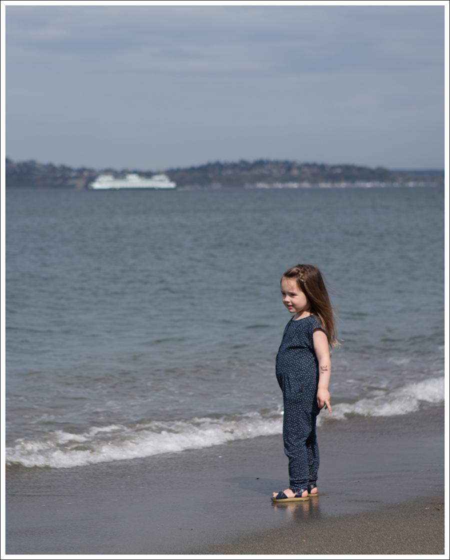 Blog GapKids Starry Romper Salt Water Surfer Sandal-9