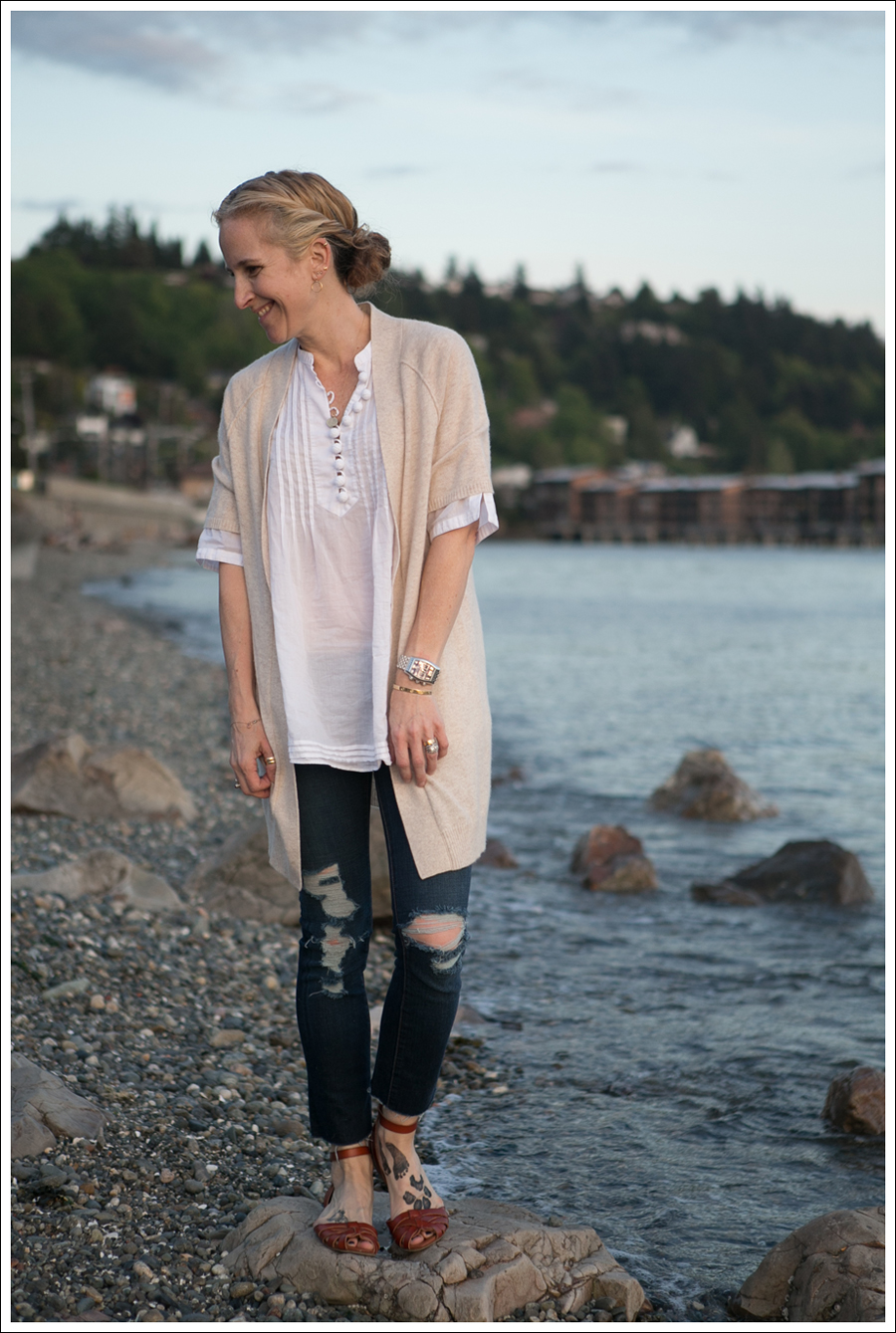 Blog Karoo Cashmere Cardigan Banana Republic Pom Pom Tunic J Brand Destroyed Skinny Mossimo Braided Sandals-1