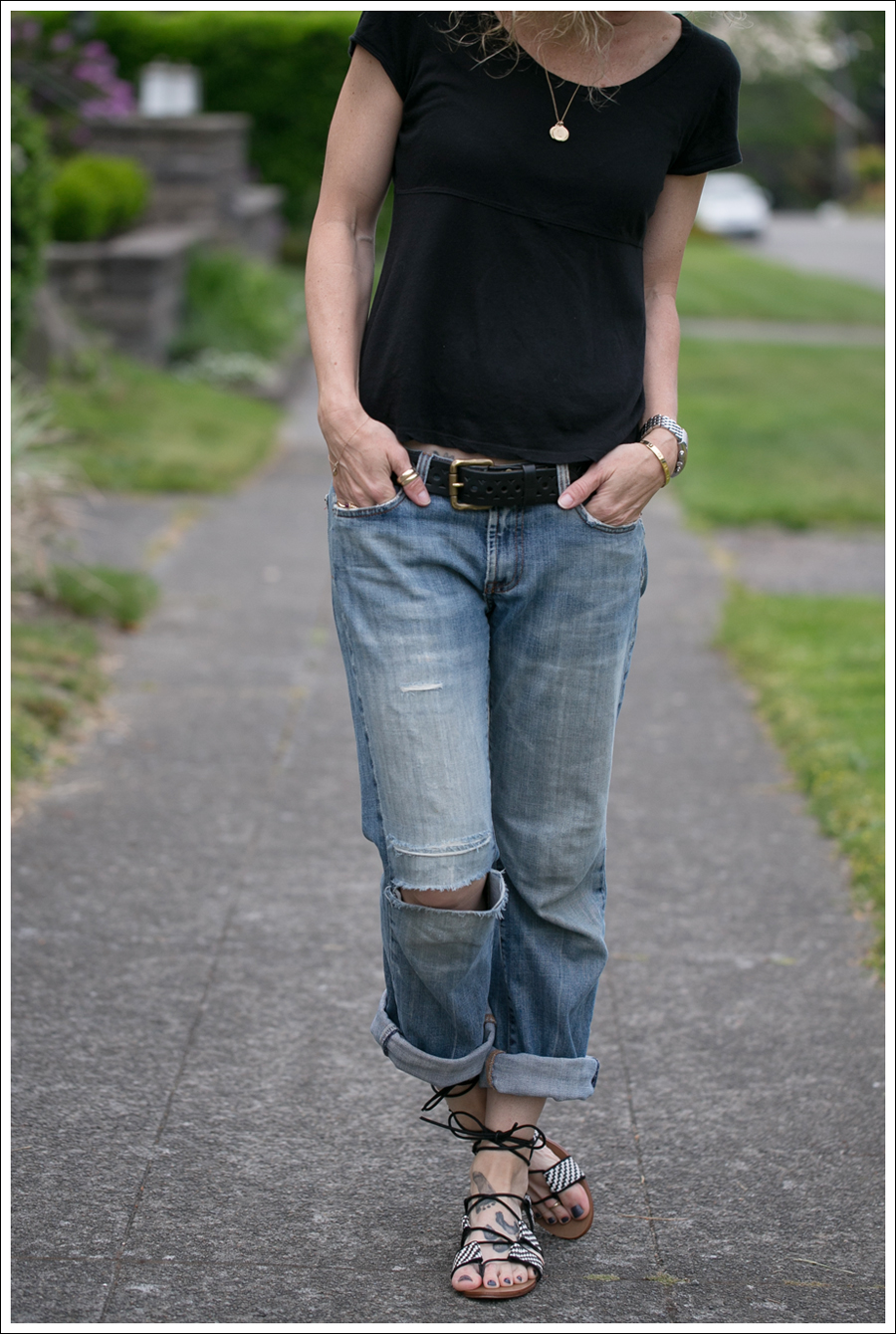 Blog StyleMint Black Tee Old 7FAM Destroyed Bootcut Bland and White Zara Tie up Sandals-2