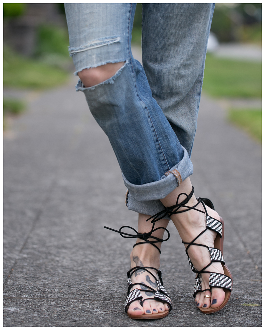 Blog StyleMint Black Tee Old 7FAM Destroyed Bootcut Bland and White Zara Tie up Sandals-3