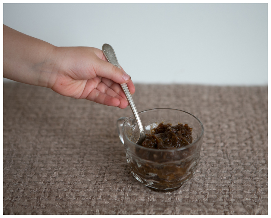 Blog Caramel Medjul Date Sauce-5