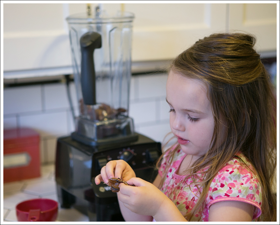 Blog Caramel Medjul Date Sauce-