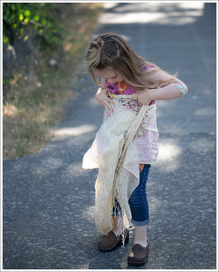 Blog Hanna Andersson Flower Dress DL1961 Harper Sanita Clogs-1