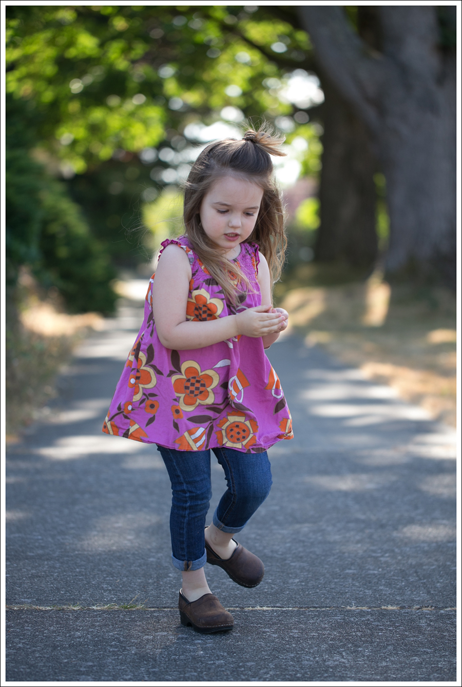 Blog Hanna Andersson Flower Dress DL1961 Harper Sanita Clogs-7