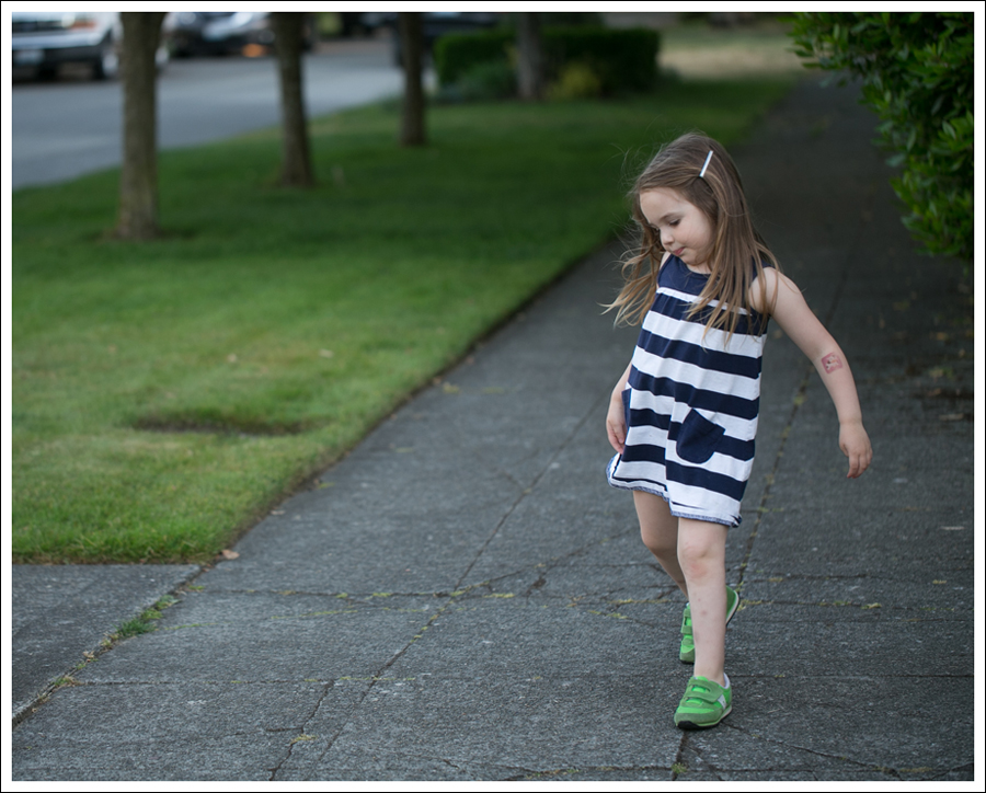 Blog Hanna Andersson Navy Stripe Dress Green Saucony-2