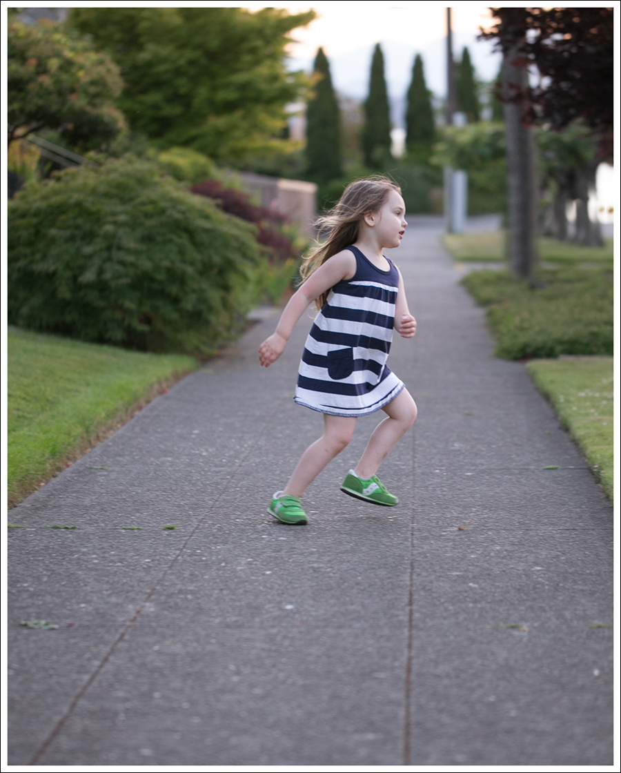 Blog Hanna Andersson Navy Stripe Dress Green Saucony-6