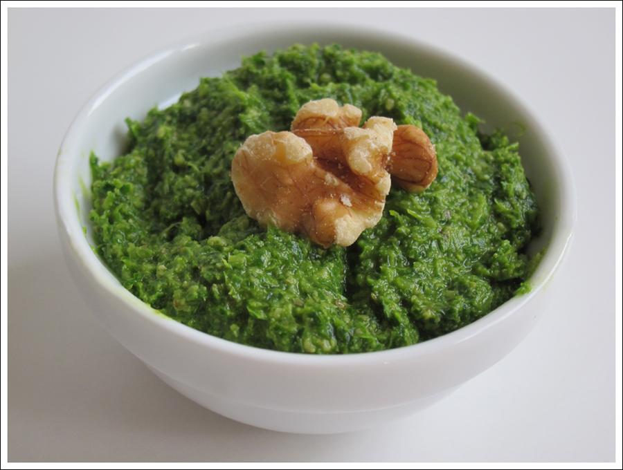 Blog parsley walnut pesto