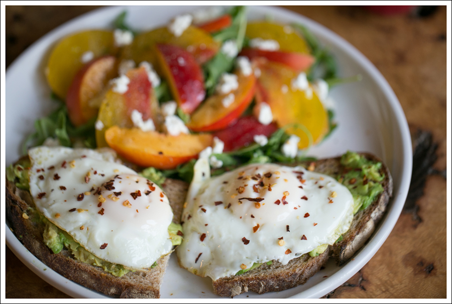 Blog Heirloom Tomato Nectarine Goat Cheese and Arugula Salad with Avocado Toast and Fried Egg-4