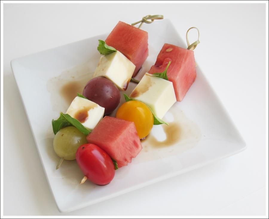 Blog tomato basil mozaarella skewers-1