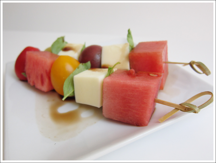 Blog tomato basil mozaarella skewers-3