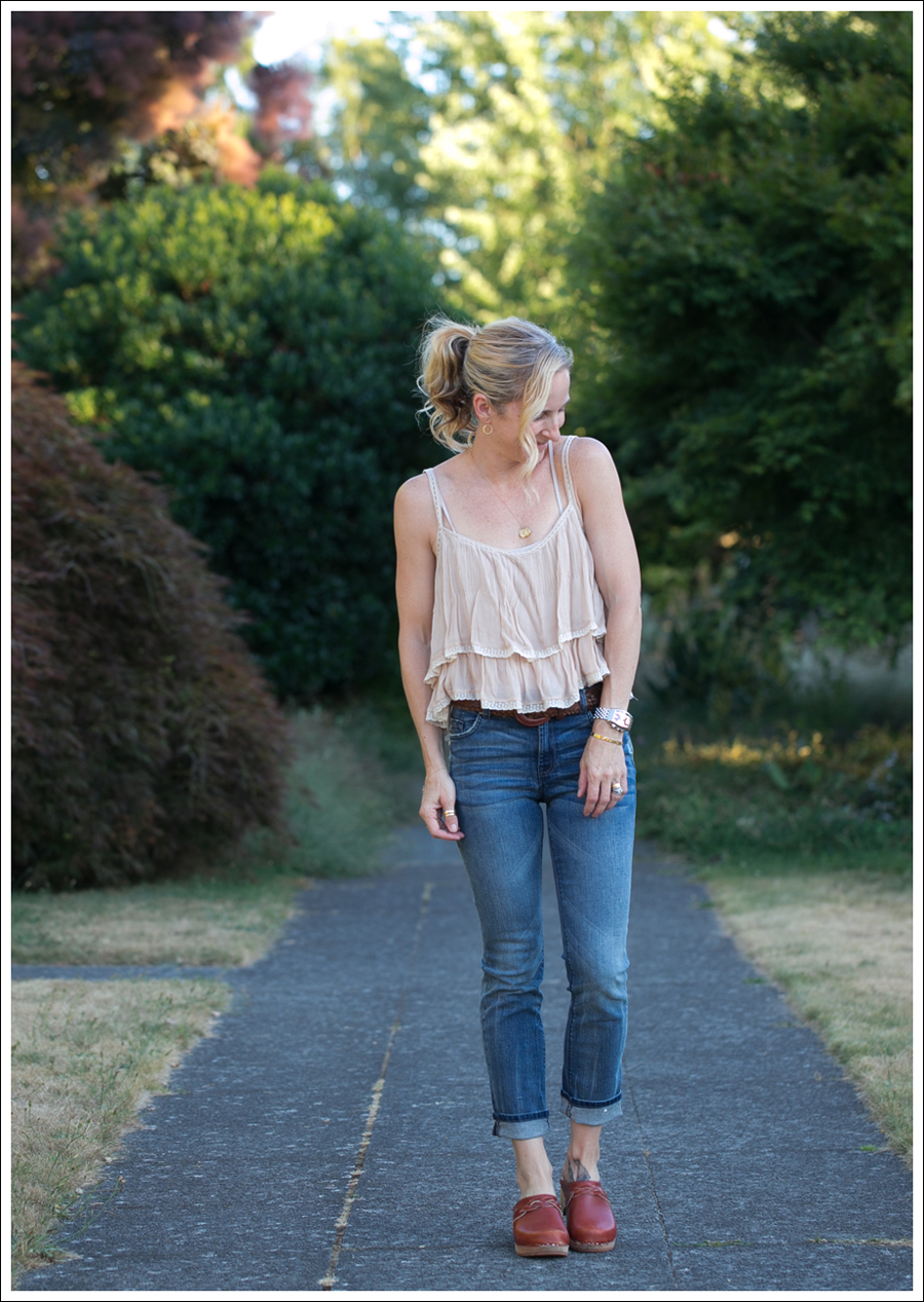 Blog Zara Tiered Crop Top Vintage Belt 7FAM Girls Slimmy Vintage Clogs-1