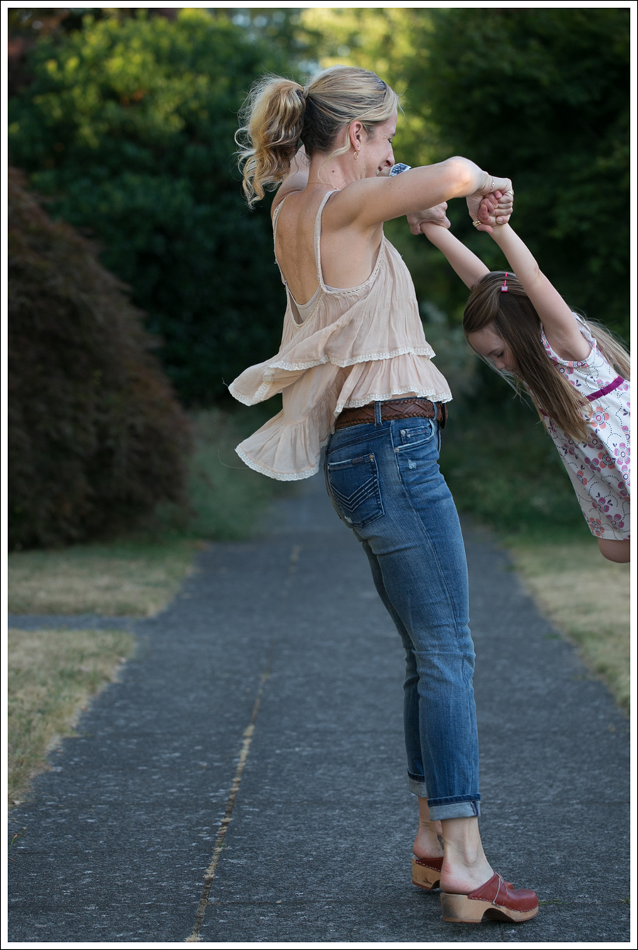 Blog Zara Tiered Crop Top Vintage Belt 7FAM Girls Slimmy Vintage Clogs-11