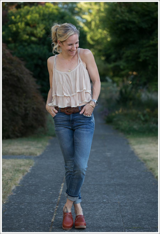 Blog Zara Tiered Crop Top Vintage Belt 7FAM Girls Slimmy Vintage Clogs-3