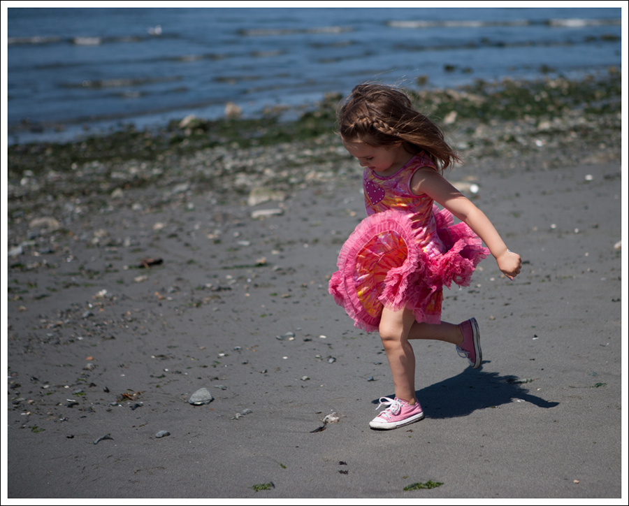 Blog Oh La La Couture Heart Tutu Dress Pink Converse-8
