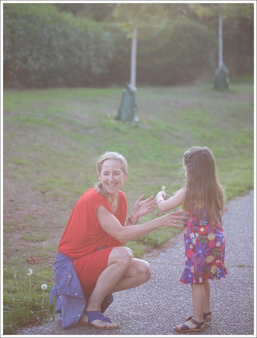 Blog Cynthia Vincent Red Tee Dress Gap Denim Shirt Cocobelle Suede Tie Thong Sandals-4