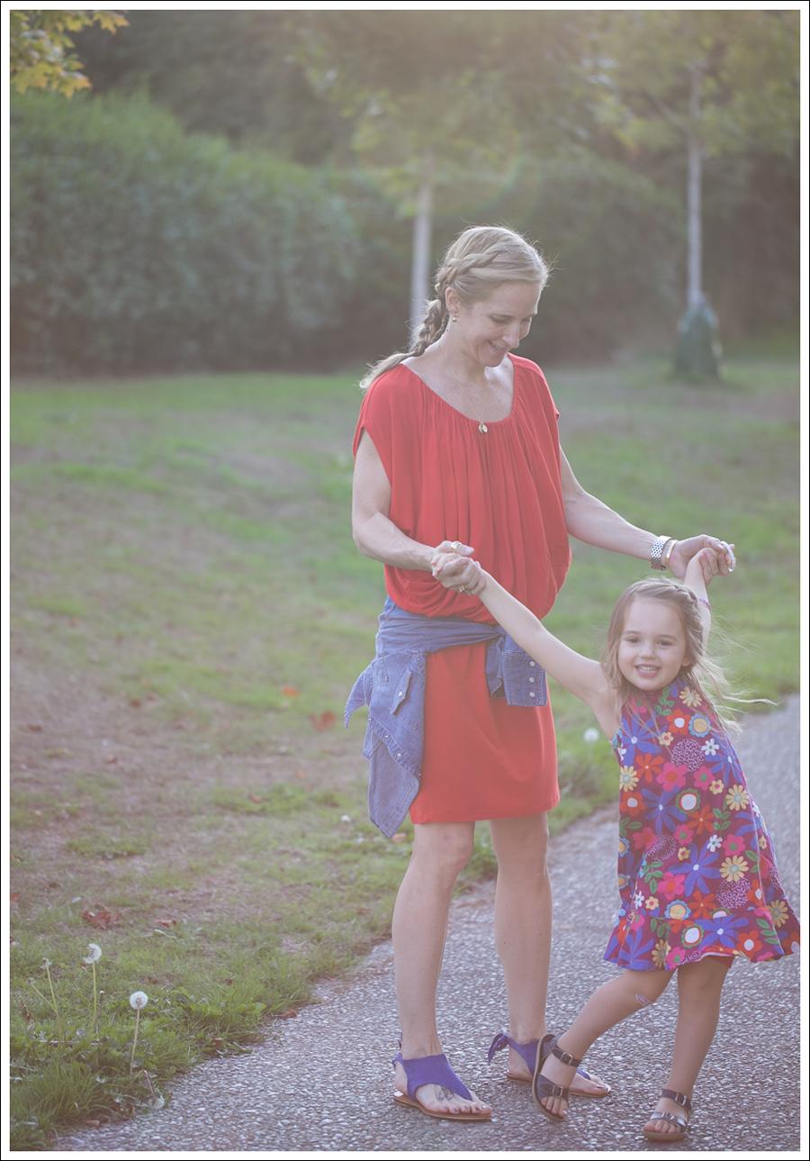 Blog Cynthia Vincent Red Tee Dress Gap Denim Shirt Cocobelle Suede Tie Thong Sandals-5