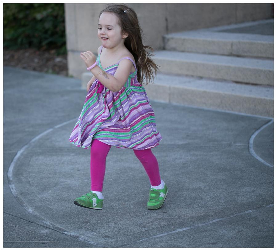 Blog Garnet Hill Striped Dress Hanna Andersson Leggings Saucony Sneakers-1