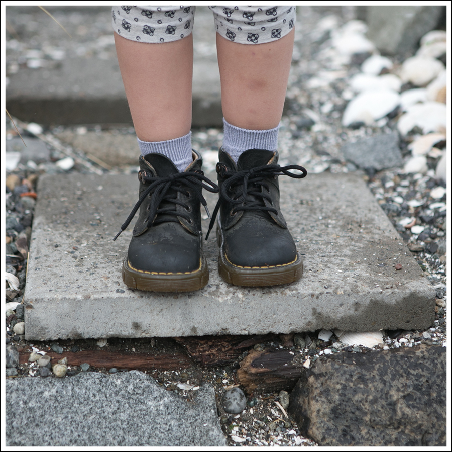 Blog Levis Jacket Crewcuts Gray Tutu Dress Sparkle Leggings Toddler Dr Martens-7