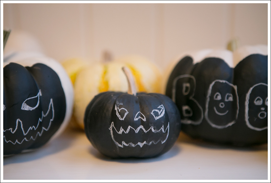 Blog DIY Chalkboard Pumpkins-1
