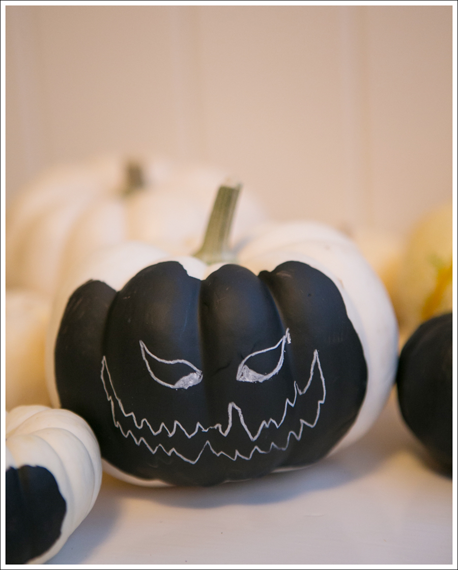Blog DIY Chalkboard Pumpkins-12