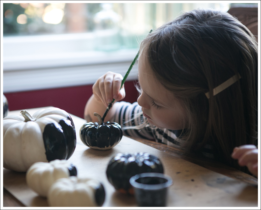 Blog DIY Chalkboard Pumpkins-5