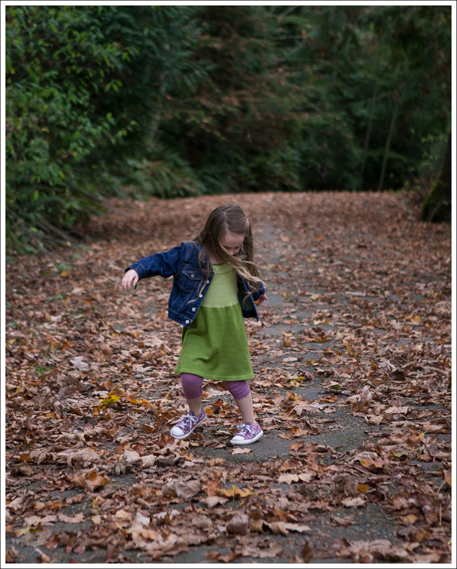 Blog GapKids Dark Denim Jacket Picaflor Julia Peasant Dress Purple Floral Converse-5