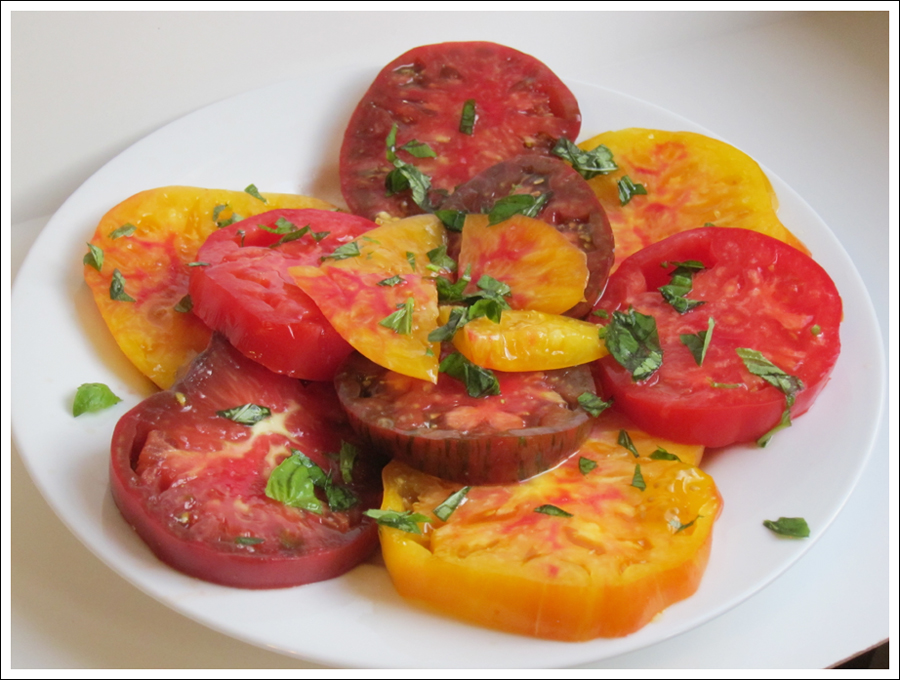 heirloom tomatoes basil blog (3)