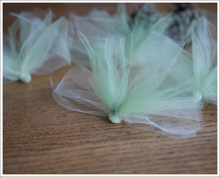 Blog DIY Pinecone Tulle Turkey-4